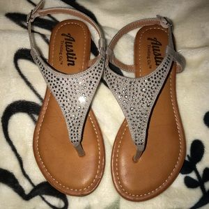 SANDALS WITH DIAMONDS:)
